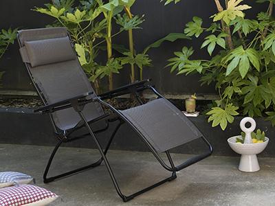 Quelle matière choisir pour un mobilier de jardin résistant aux intempéries ?